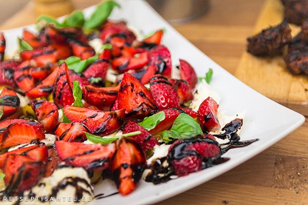 Maasika salat Retseptisahtel