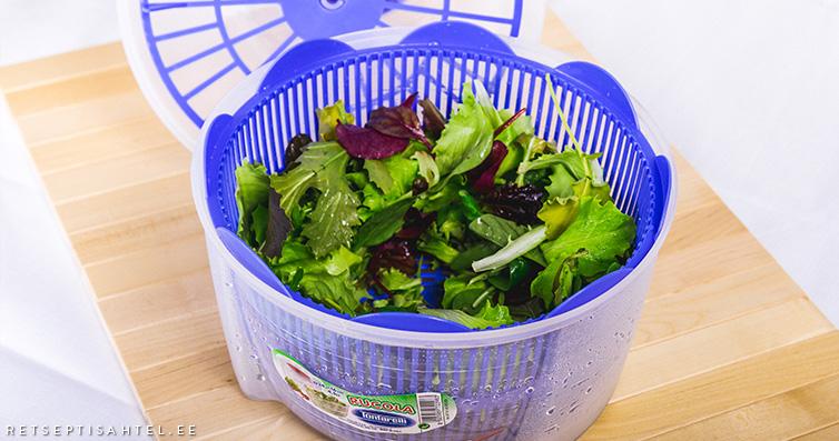 Salati pesemine