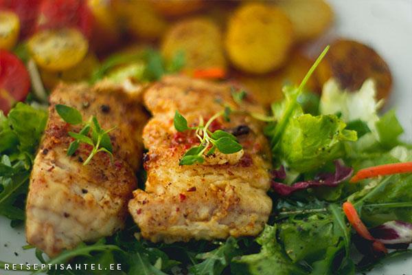 Klaarsäga praekartuli ja salatiga Retseptisahtel