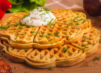 Pitsavahvlid hapukoore ja tilliga Retseptisahtel