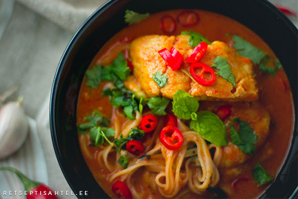 Klaarsäga curry tšilli ja koriandriga Retseptisahtel