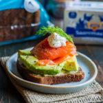 Tervislik võileib rukkileiva-toorsuitsuforelli ja avokaadoga - Retseptisahtel