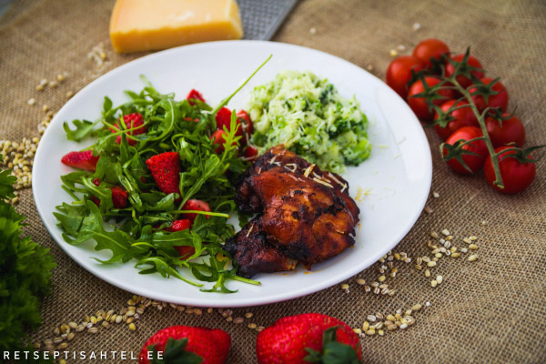 Šašlõkk lillkapsapudru ja värske salatiga