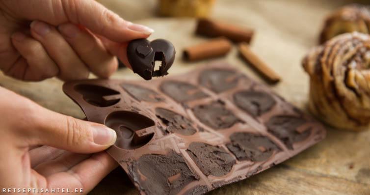 šokolaadikommid