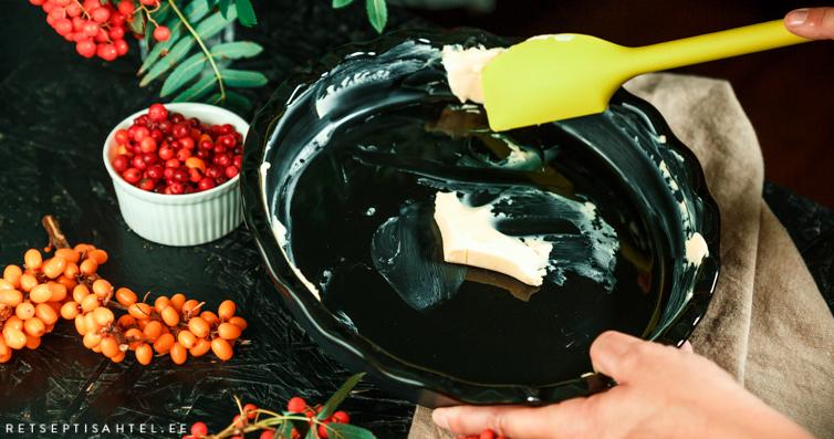 Pihlaka-pohla clafoutis